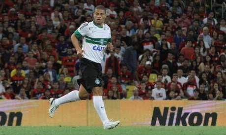 <p>Alex está fora de ação no Coritiba e preocupa</p>