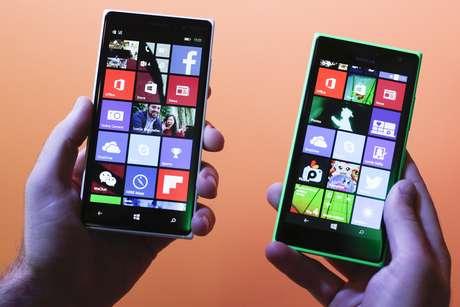 Microsoft apresentou os novos smartphones Nokia Lumia 830 (à esquerda) e 730 durante a feira de eletrônicos IFA, em Berlim, na Alemanha