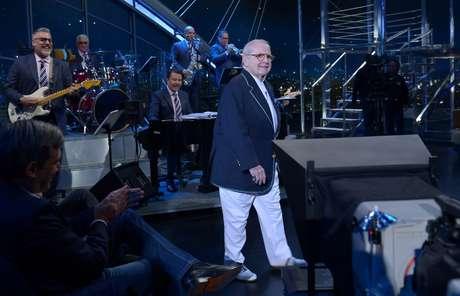 <p>Jô foi aplaudido de pé pela plateia do programa, o primeiro depois de sua internação</p>