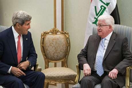<p>Presidente iraquiano, Fuad Masum, conversa com o secret&aacute;rio de Estado dos EUA, John Kerry, em Bagd&aacute;, em 10 de setembro&nbsp;</p>