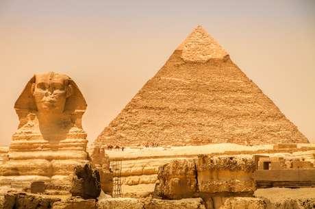 <p>Na foto, a pirâmide de Gizé no Egito</p>