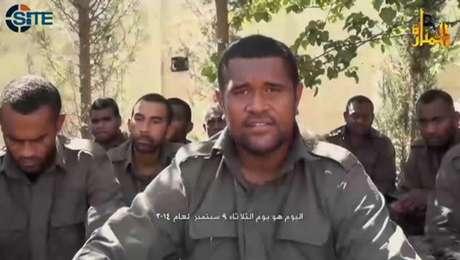 <p>Vídeo mostra soldados da ONU que foram feitos reféns pelo grupo extremista Frente Nusra na Síria</p>