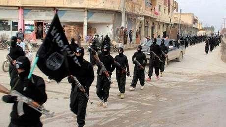 """<p>""""Jihadistas se refugiaram em Hajar al-Aswad, onde têm uma presença forte"""", informou o OSDH</p>"""