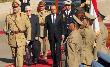 <p>&quot;Vim a Bagd&aacute; para afirmar a disponibilidade da Fran&ccedil;a para ajudar ainda mais o Iraque militarmente&quot;, declarou Hollande</p>