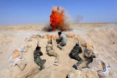 <p>Estado Islâmico usa imagens de guerra para fazer propaganda e recrutar soldados</p>