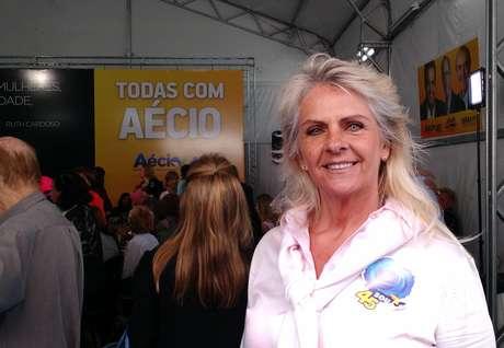 """<p>Mãe da modelo, Ione Zukauskas vota no candidato por que torce""""para que todos sejam iguais""""</p>"""