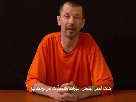 <p>Nas imagens, Cantlie fala de maneira calma e determinada</p>