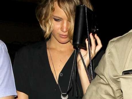 <p>Jennifer Lawrence, foi vítima de invasão em sua conta no iCloud, crime está sendo investigado pelo FBI</p>