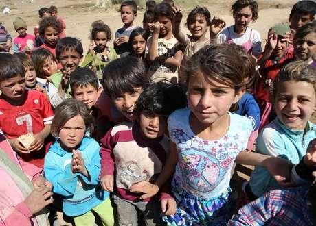 <p>Crianças sírias em um campo de refugiados próximo à cidade de Baalbek, no leste do Líbano</p><p></p><p></p>