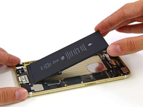 Por dentro, iPhone 6 Plus apresenta mais proteções que sua versão anterior, iPhone 5S