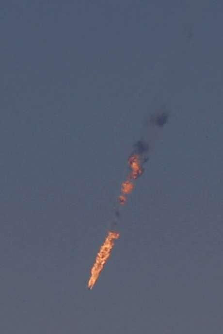 Jato militar sírio foi atingido nesta terça-feira por, supostamente, ter invadido espaço aéreo