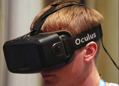 <p>Se entrar no setor, Apple deve disputar com a Oculus Rift e a Samsung, que possuem produtos do gênero</p>
