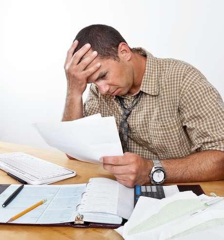 Calcule os gastos de sua empresa e procure antecipar possíveis pagamentos para não cair na armadilha das dívidas