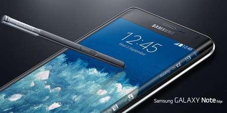 <p>Encurvado, não dobrado, disse a Samsung ao comparar seu Galaxy Note Edge com o iPhone 6</p>