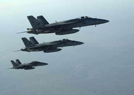 <p>Avi&otilde;es americanos sobrevoam a S&iacute;ria e o Iraque</p>