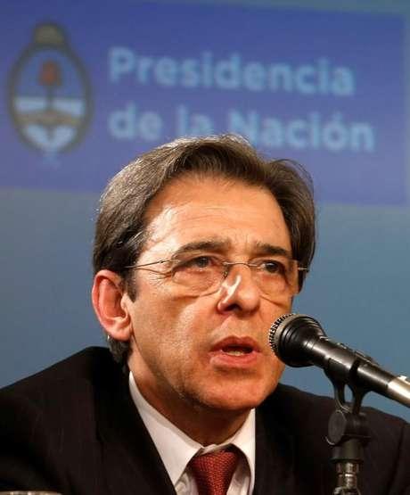 <p>Mauro Borges&nbsp;diz ver momento &quot;oportuno&quot; para colocar o cargo a disposi&ccedil;&atilde;o</p>