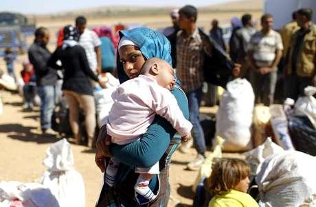 <p>Potências ocidentais aumentaram recentemente sua ajuda à oposição moderada síria, incluindo a formação militar dos rebeldes para que combatam com mais força os jihadistas do Estado Islâmico</p>