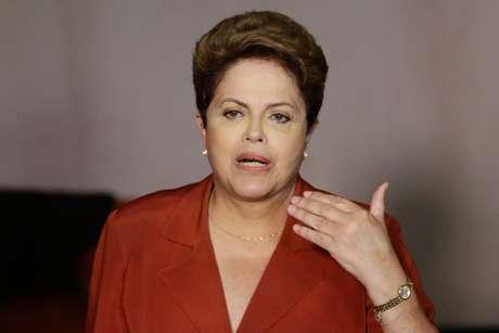 <p>A presidente da República e candidata a reeleição, Dilma Rousseff, concede entrevista coletiva no Hotel Renaissance, na Alameda Santos em São Paulo, nesta segunda-feira</p>