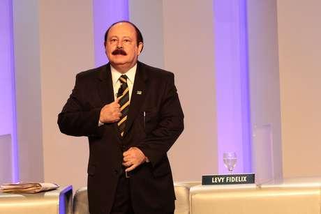Levy Fidelix foi confrontado por Luciana Genro e Eduardo Jorge por declarações contra gays no debate anterior