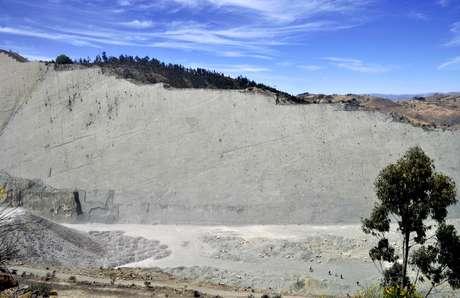 Fábrica de cimento coloca em xeque a preservação de reserva