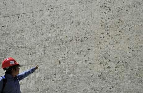 O morro chamado Cal Orcko possui 5 mil pegadas pre-históricas