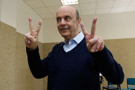 <p>Serra assumirá o cargo de senador pela segunda vez - a primeira foi em 1994</p>