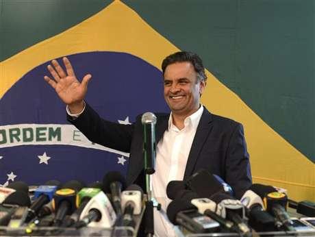 <p>Aécio Neves (PSDB) disputará o segundo turno com Dilma Rousseff (PT) naeleição presidencial</p>