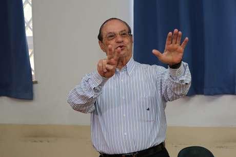O candidato á Deputado Federal pelo PP, Paulo Maluf durante votação no Antigo Colégio Sacré Couer, na Av. 9 de Julho, em São Paulo, SP, neste domingo, 5 de outubro
