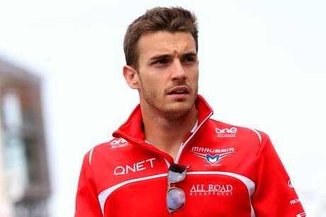 Jules Bianchi está em estado vegetativo nove meses após o acidente