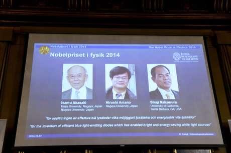 <p>Dois japoneses e um americano levaram o prêmio este ano pela invenção do LED</p>