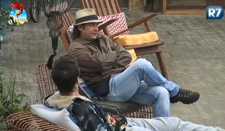 Roy e DH conversam sobre Lorena