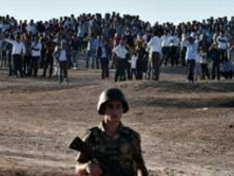 <p>A cidade de Kobane, de maioria curda, foi invadida na segunda-feira pelo EI</p>
