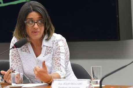<p>Meire Poza disse que sua empresa emitiu R$ 7 milhões em notas frias para as empresas do doleiro Alberto Youssef, para quem trabalhava</p>
