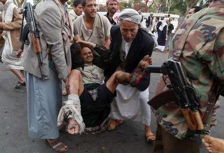 Atentado deixou dezenas de feridos e pelo menos 43 mortos