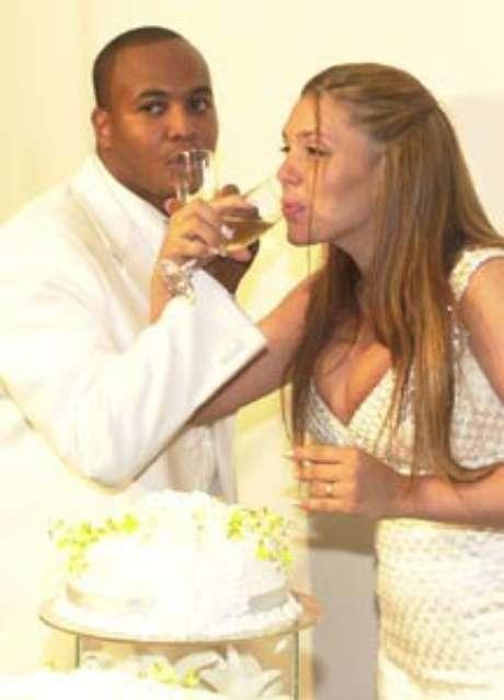 <p>Simony casou-se pela primeira vez em 2001com o cantor Afro-X</p>