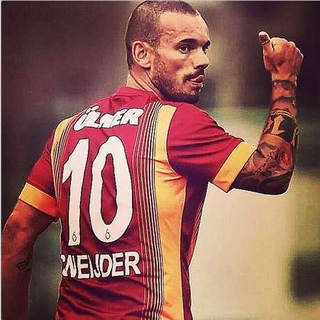 <p>Atraso em sal&aacute;rios&nbsp;podem levar Sneijder a rescindir com Galatasaray</p>