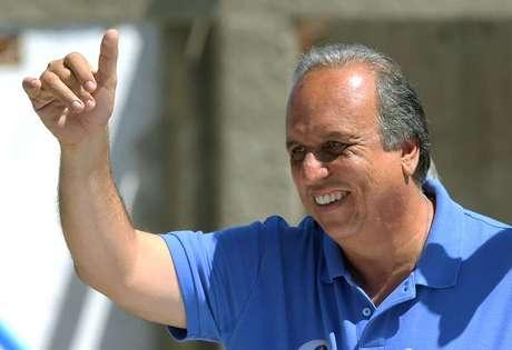 <p>Luiz Fernando Pez&atilde;o (PMDB) &eacute; candidato &agrave; reelei&ccedil;&atilde;o para o Governo do Rio de Janeiro</p>