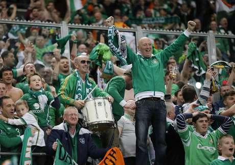 Torcedores da Irlanda fazem festa com empate contra Alemanha