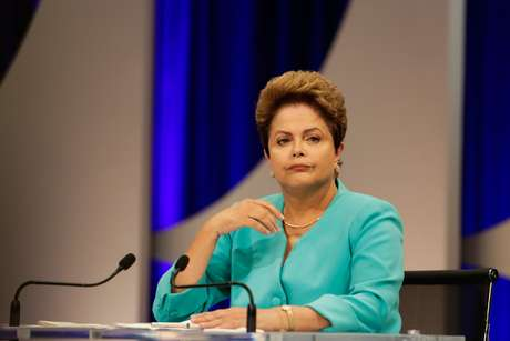 Dilma durante debate do SBT, nesta quinta-feira, 16 de outubro