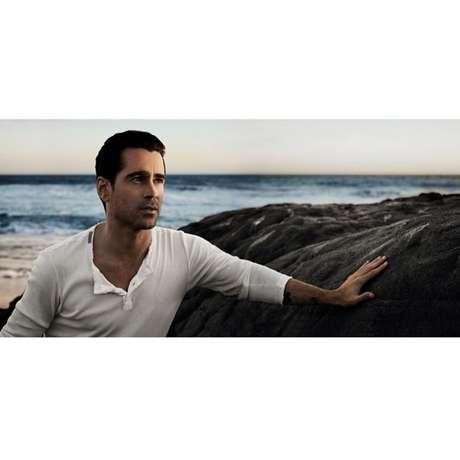 <p>Primeira foto divulgada mostra o ator contemplando o pôr-do-sol</p>