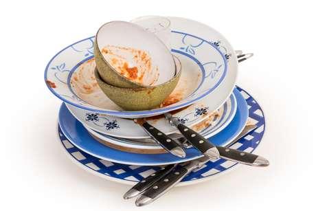 Boteco no Tucuruvi teve de servir seus clientes com copos e pratos descartáveis por não ter água suficiente para lavar a louça