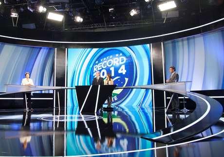 Dilma e Aécio fizeram debate menos agressivo na TV Record