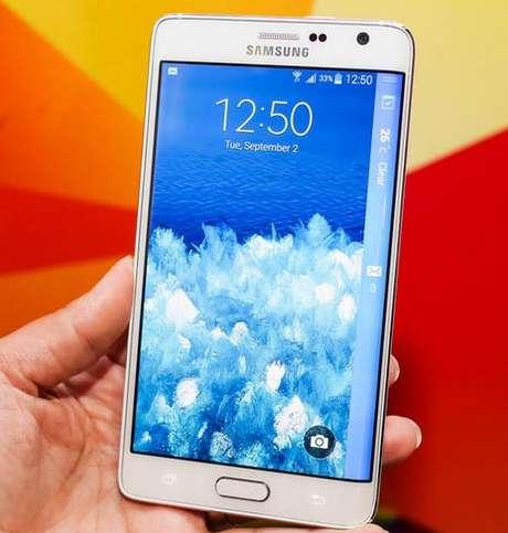 <p>A empresa sul-coreana quer que seus produtos, como o Galaxy Note Edge - aparelho com atela curva rígida -se destaquem no mercado</p>