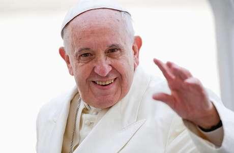 Papa Francisco acena na Praça de São Pedro, no Vaticano. 24/09/2014