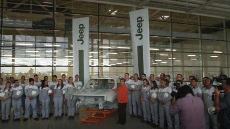 Fábrica da Jeep, em Pernambuco, é centro de uma disputal eleitoral entre Dilma e Aécio