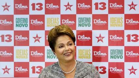 Dilma Roussef durante entrevista a jornalistas em um hotel na Barra da Tijuca, no Rio de Janeiro, nesta quinta-feira, 23 de outubro