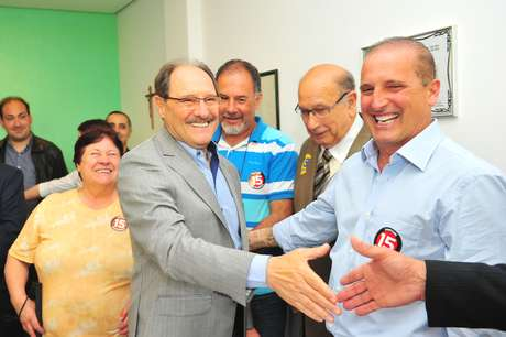 <p>José Ivo Sartori recebe apoio do DEM na disputa do segundo turno, no dia 13 de outubro</p>