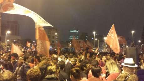 <p>O evento foi organizado por meio de redes sociais; 4,5 mil pessoas confirmaram presença na página do encontro</p>