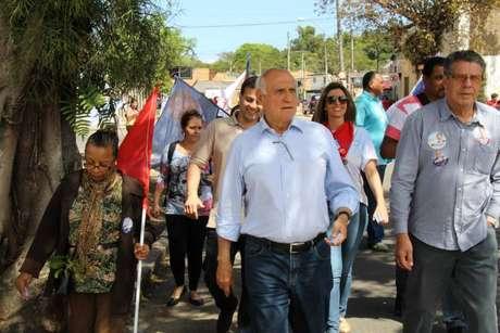 Na disputa pelo senado, Lasier Martins marcou seus discursos por duras críticas à presidente Dilma