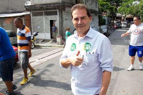 <p>Paulinho da Força começou acoletarassinaturas pedindo o afastamento da presidente Dilma Rousseff</p>